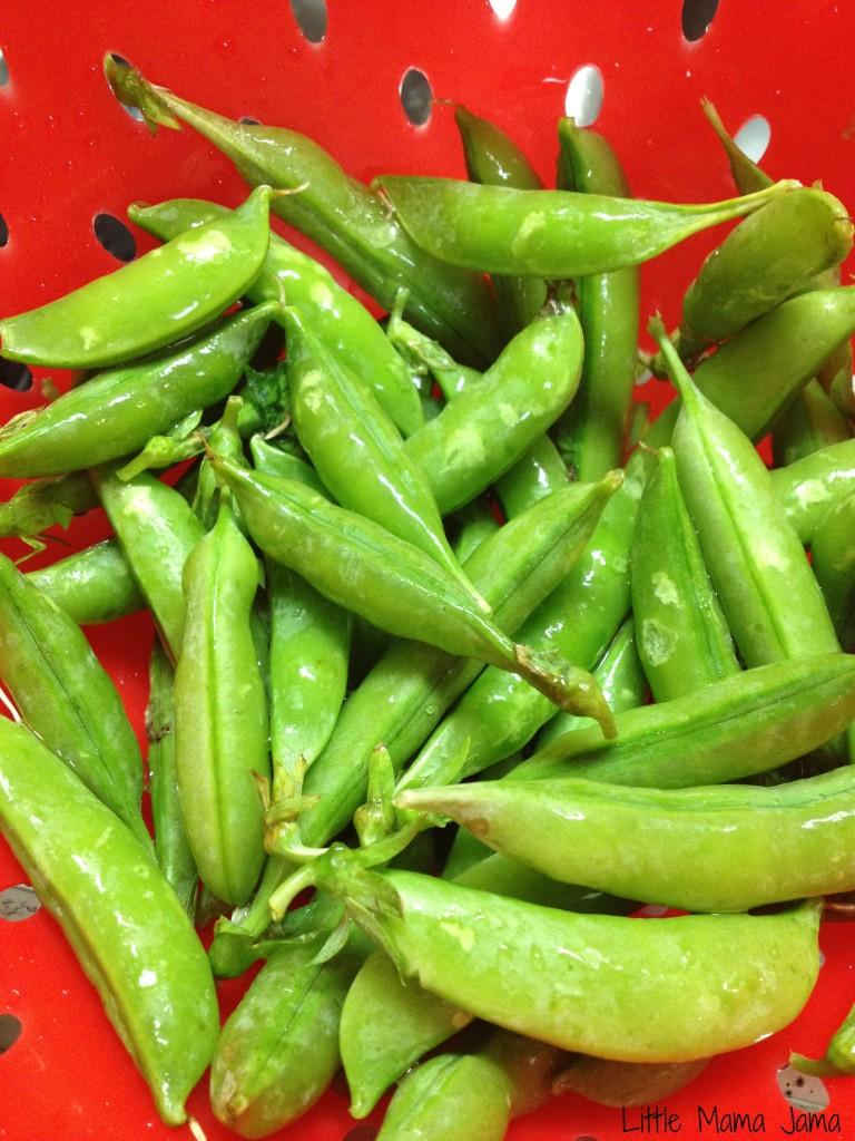 Fresh snap peas #momsmeet