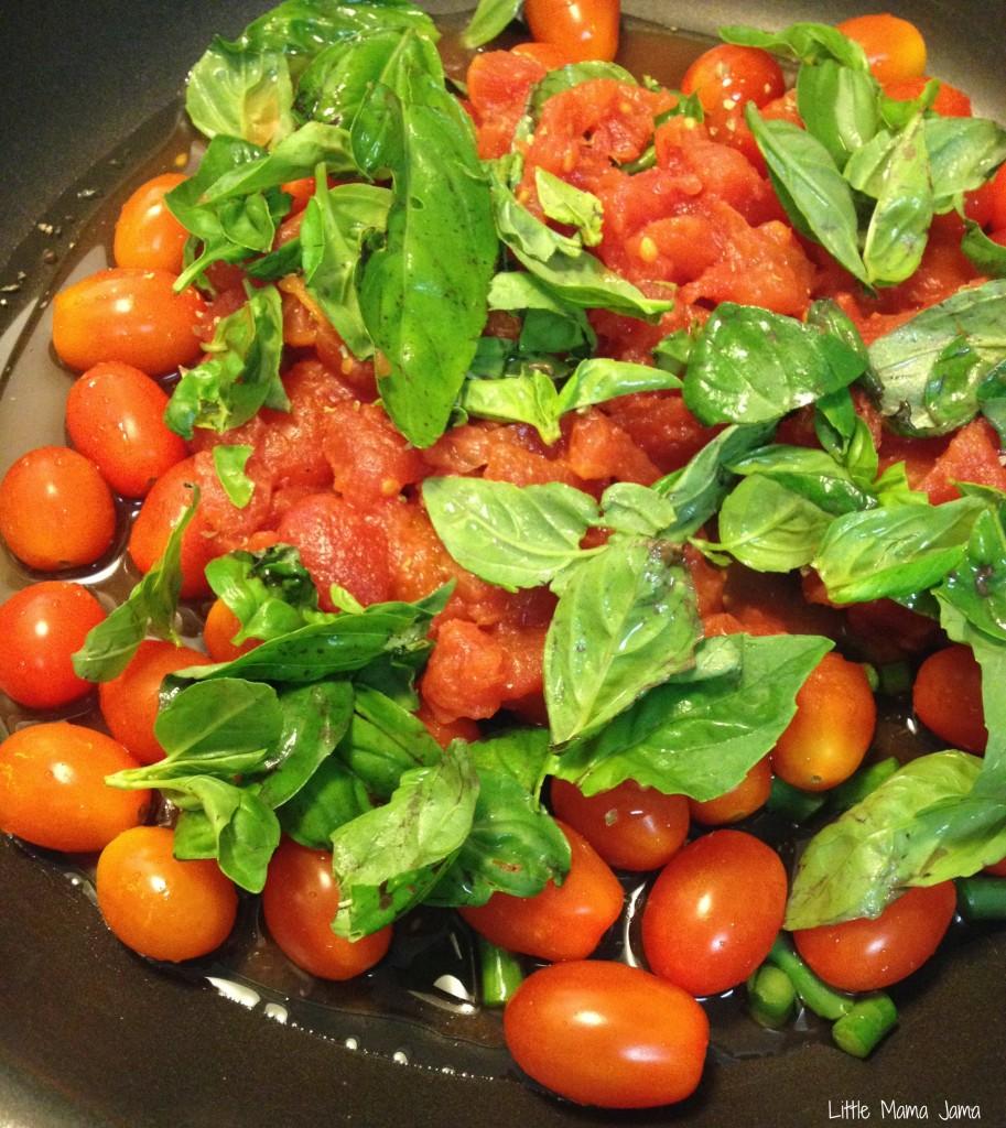Homemade Tomato Basil Sauce #LittleMamaJama