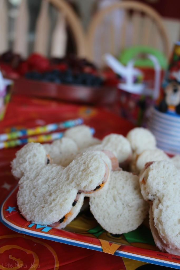 Mickey Mouse cutout sandwiches #DisneySide #ad