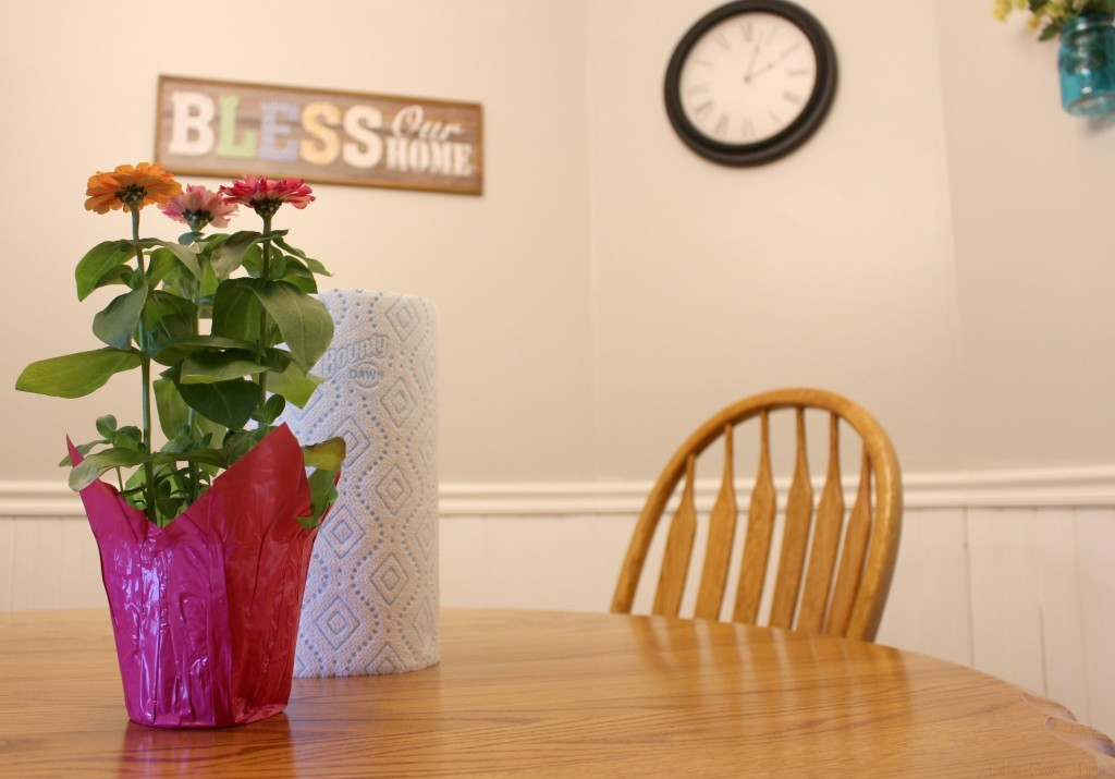 Clean the table for guests #EnjoyTheGo #ad