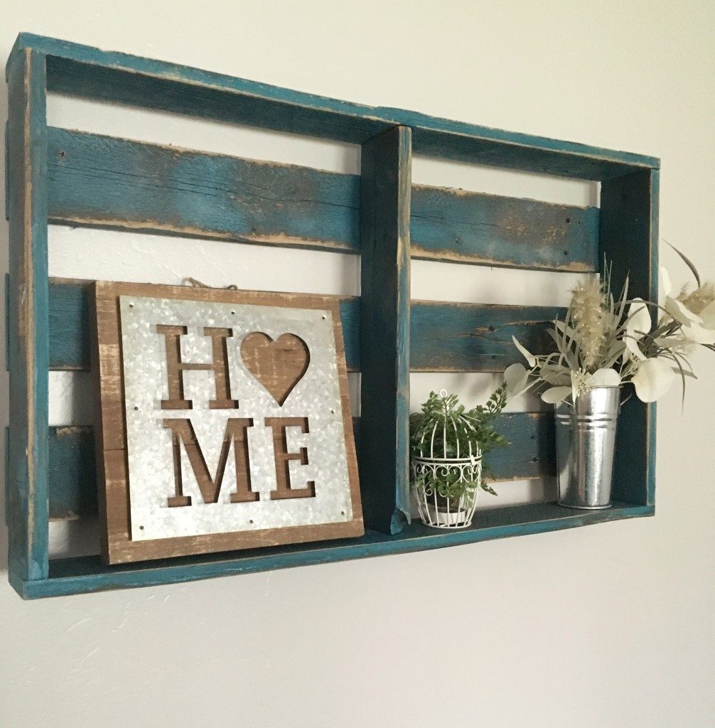 Turquoise pallet shelf decor