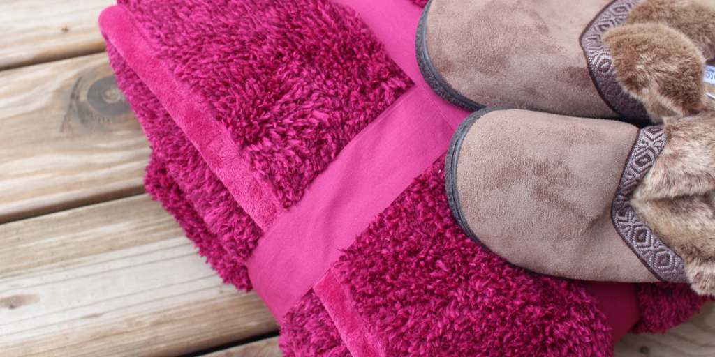 Plush Throw Blanket and Comfortable Slippers
