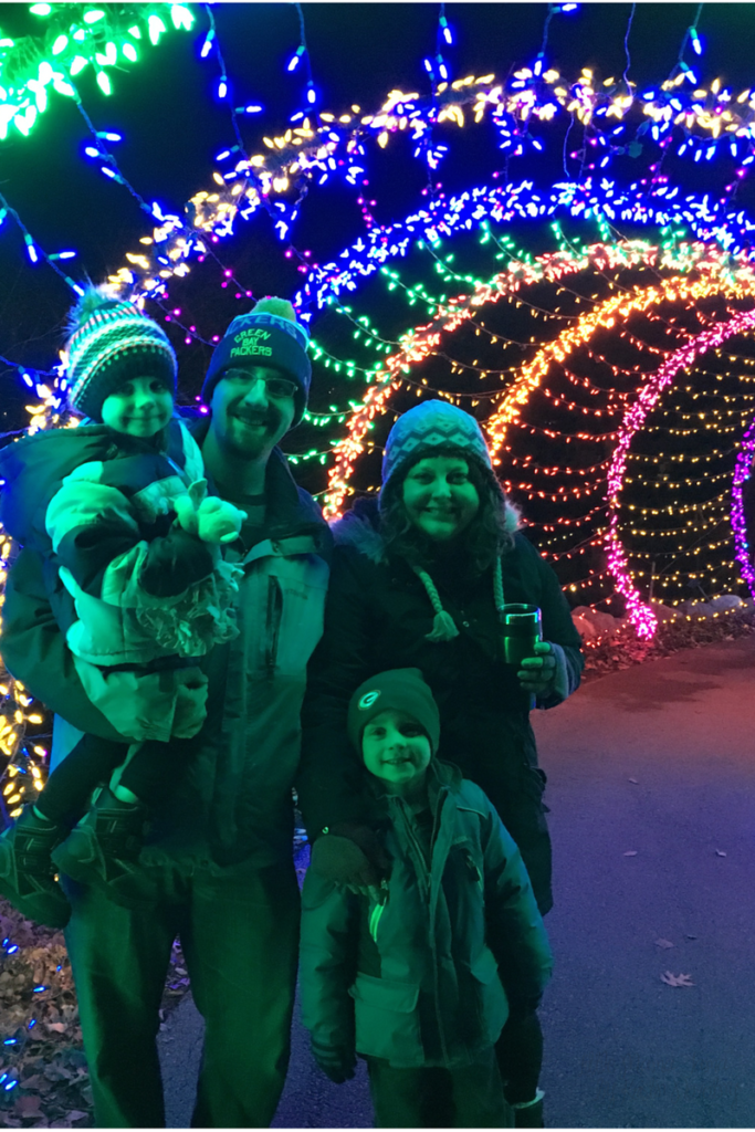 Celebrating with a Holiday Lights Family Tradition! #PostForTheHolidays #ad