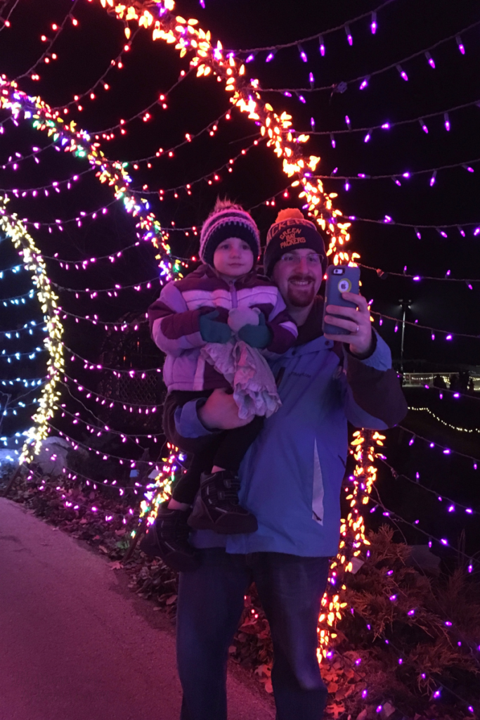 Create a Holiday Lights Tradition with your Family! #PostForTheHolidays #ad