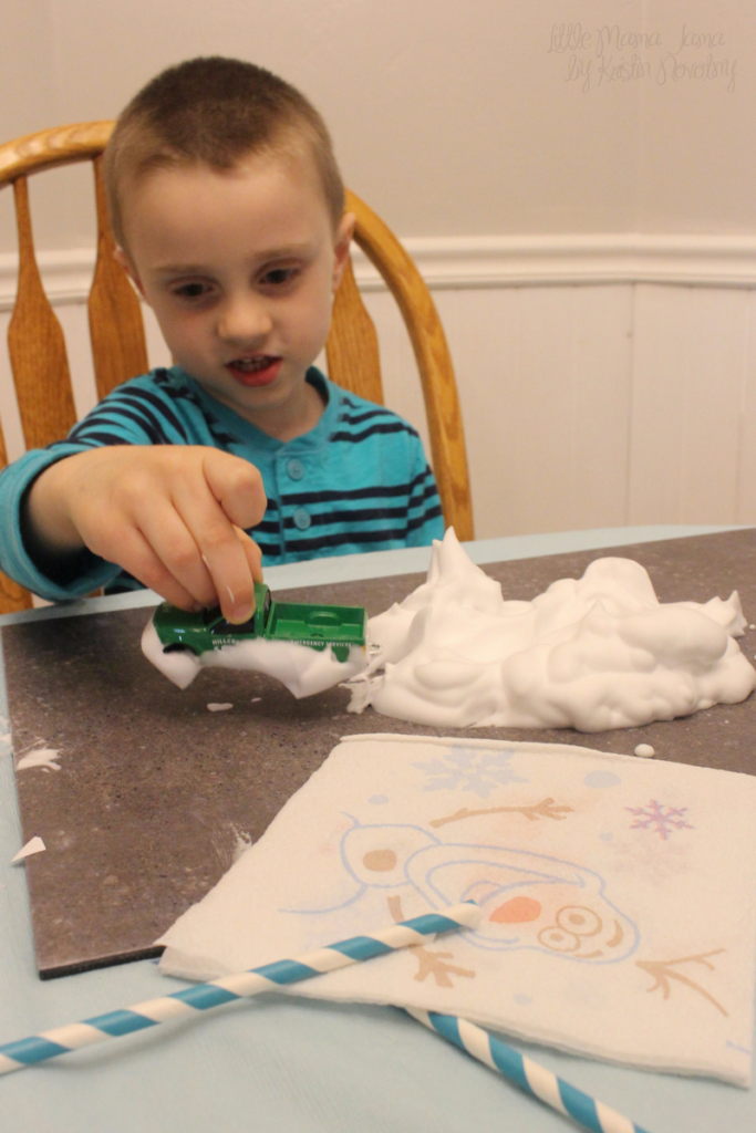 Disney Frozen Themed Sensory Play with Shaving Cream #QuickerPickerUpper #DisneyFrozen #AD
