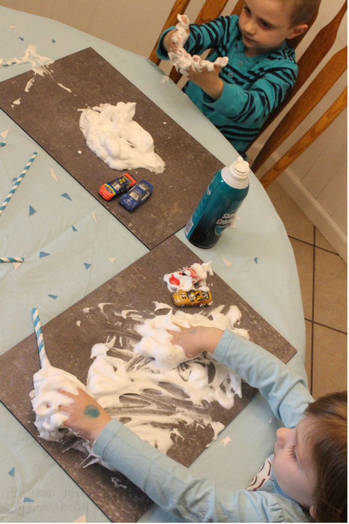 Disney Frozen Themed Shaving Cream Sensory Play #QuickerPickerUpper #DisneyFrozen #AD