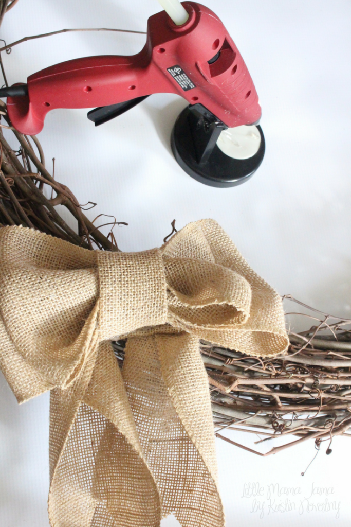 Make an easy burlap bow for your wreath!