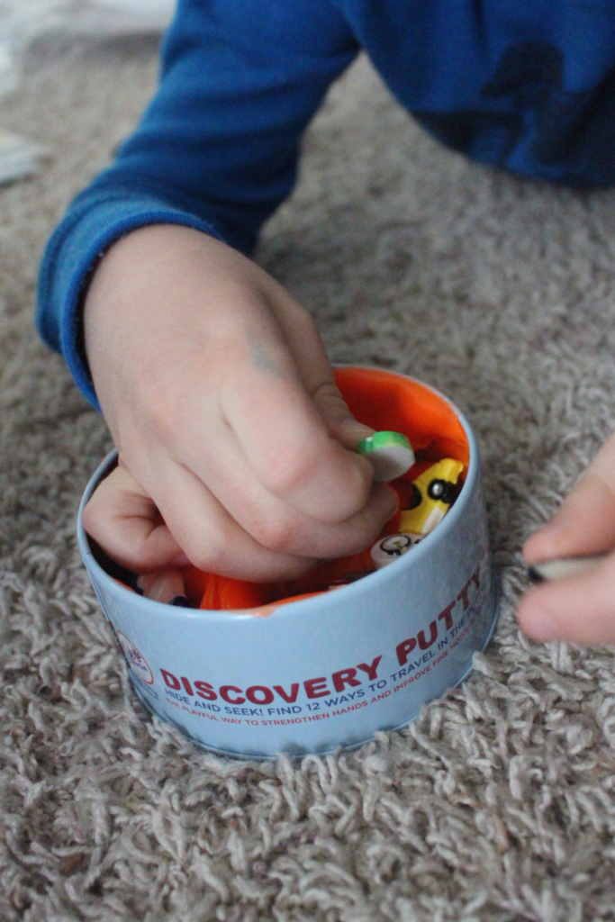 6 Kid-Friendly Products for Sensory Fun - like Discovery Putty! #ad