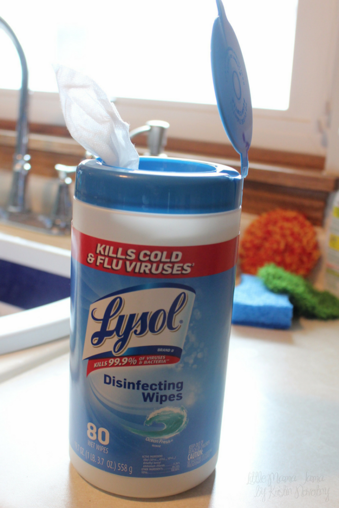Clean the kitchen with Lysol Disinfecting Wipes #EverydaySaves #ad