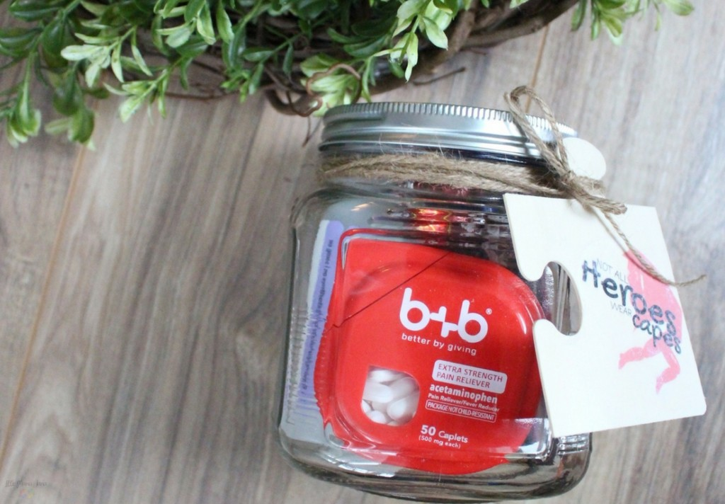 [ad] Show your appreciation with this therapist survival kit gift in a jar - plus a FREE printable to make your own wood transfer ornament or gift tag. #bebetterbygiving