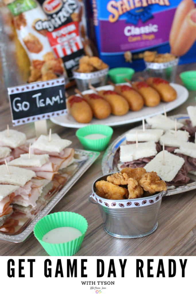 Grab and go sandwiches, popcorn chicken, and corn dogs! #TysonWinningLineup #ad